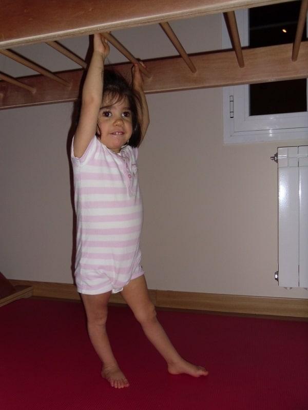 Cerebral-palsy-blanca-uses-overhead-ladder-walks