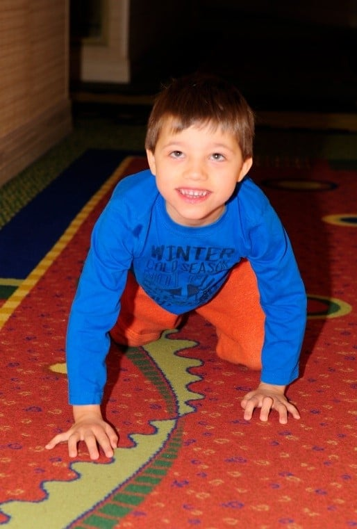 cerebral-palsy-symptoms-melvin-creeping
