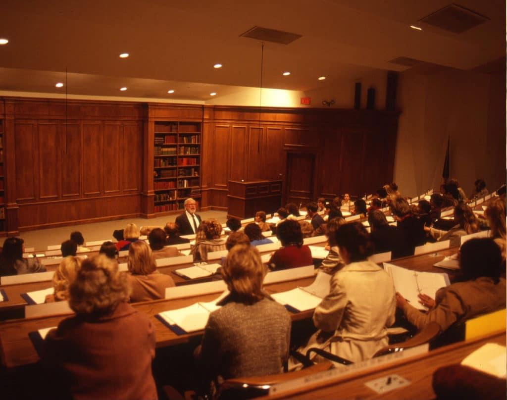 Glenn Doman lecturing